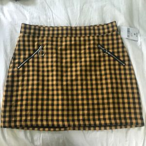 25f1da85c4 Forever 21 · Yellow and Black plaid skirt